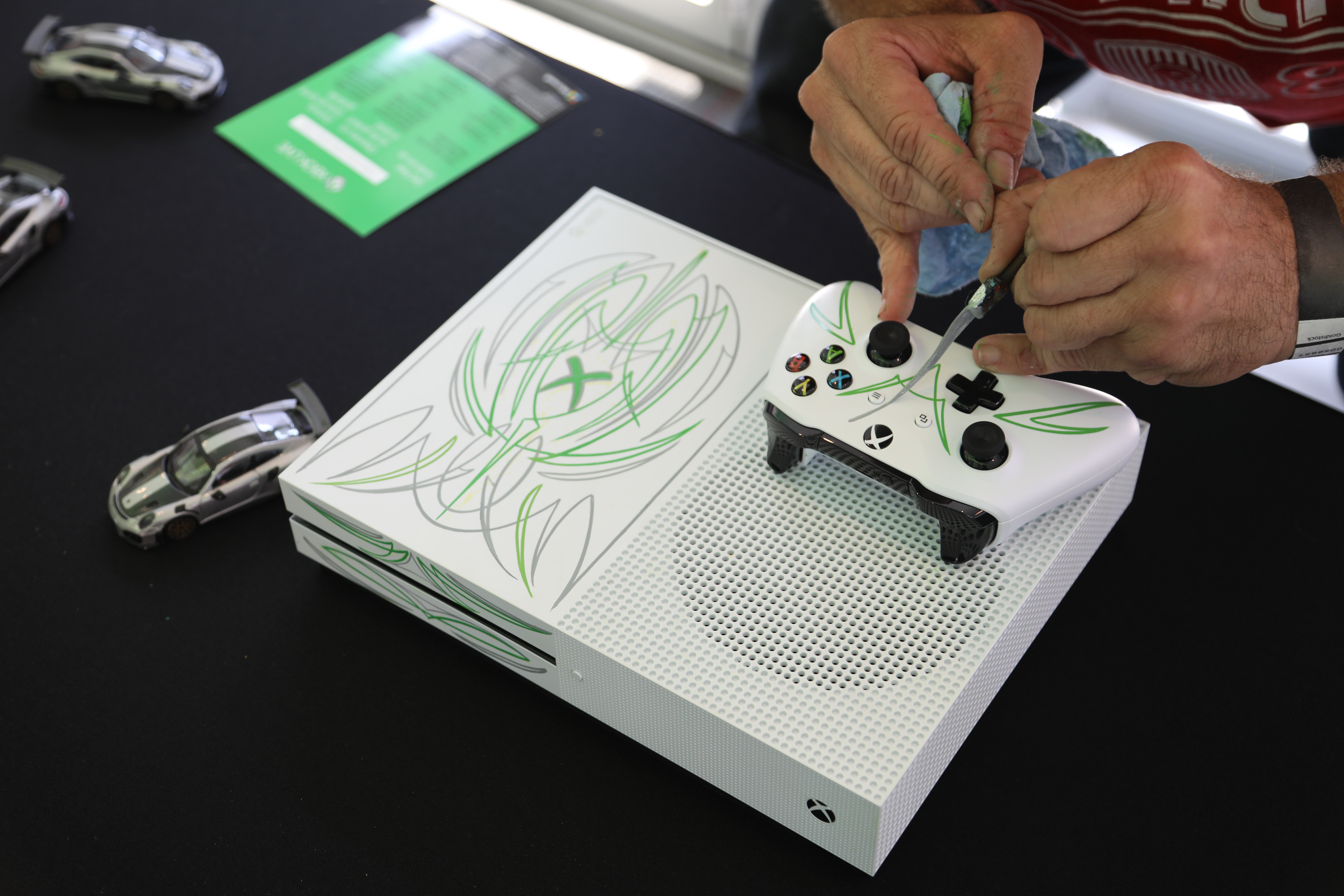 Forza Motorsport 7 Petersen Launch Custom Xbox One S And Controller